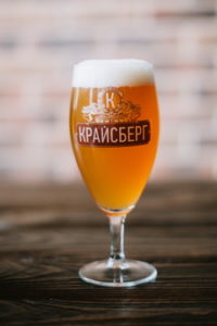 Пиво «Крайсберг Пшеничное» нефильтрованное